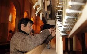 Présentation de l'orgue Merklin du Temple Neuf, en cours de relevage
